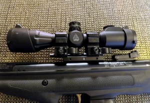 UTG 4 x 32 Scope with lighted reticle