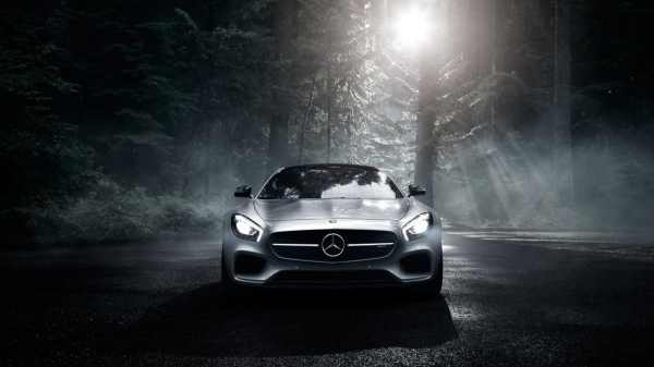 mercedes-benz-amg-gt-s-2016-silver-wood-night-front-view-mercedes-benz-40214591-1366-768